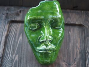 limonkowa-zielen-dekoracyjna-maska